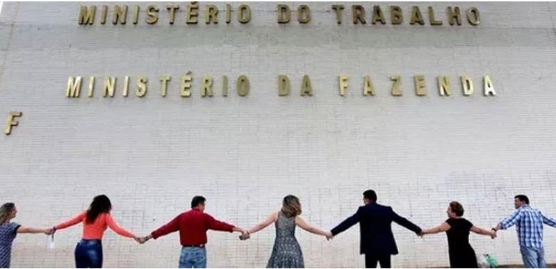 Ministro de Bolsonaro anuncia o fim do Ministério do Trabalho