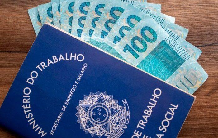 Governo Bolsonaro acaba de vez com política de valorização do salário mínimo